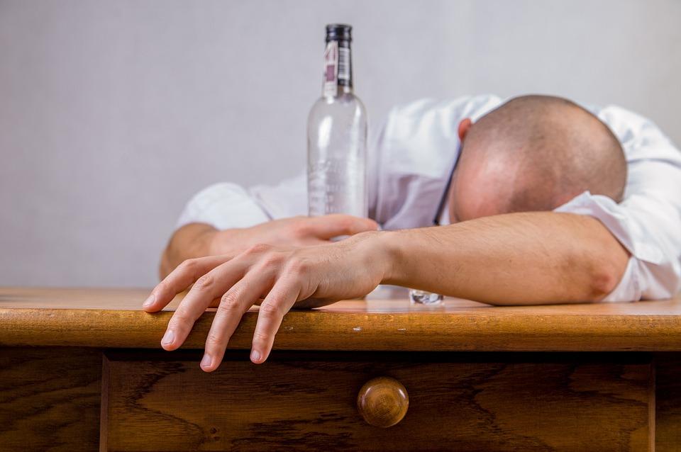Trastorno por consumo de alcohol.