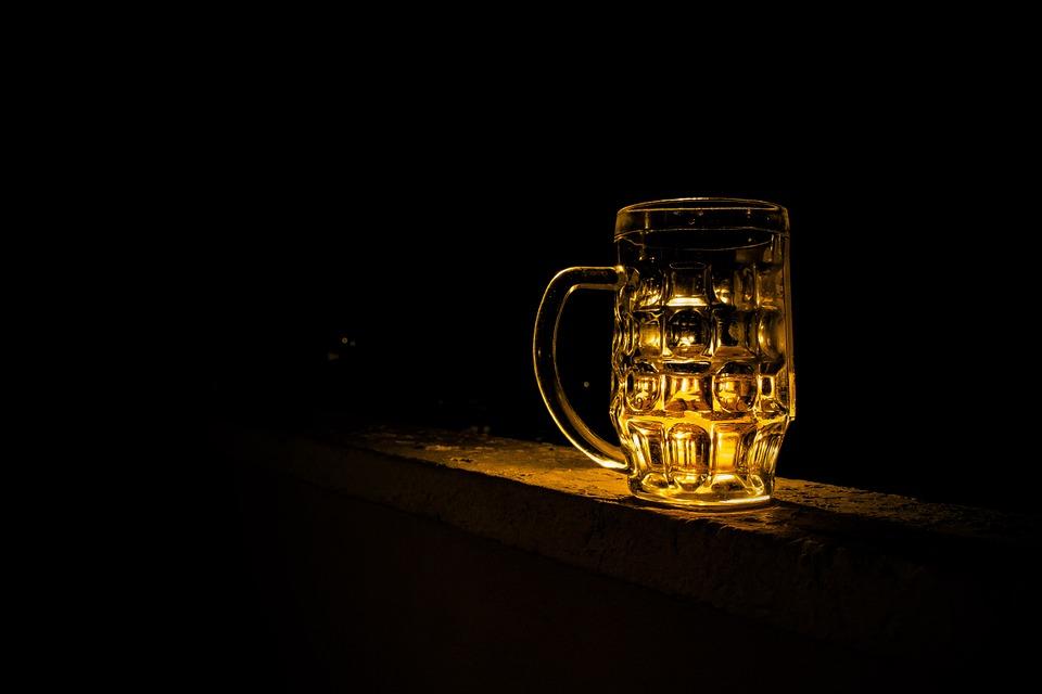 Relación entre cáncer y alcohol.