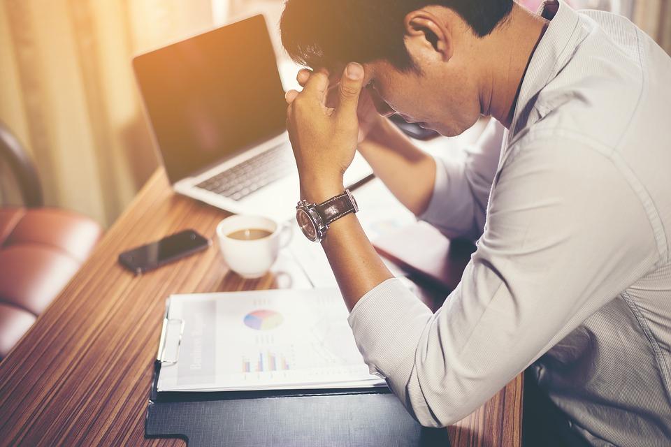Consejos para combatir el estrés laboral.